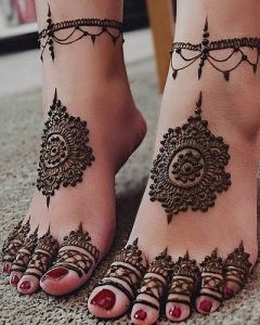 Easy Trending Modern Mehndi Designs