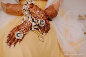 Floral Mehndi Accessory